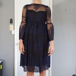 Lace Maternity Dress. Size S. Motherhood maternity